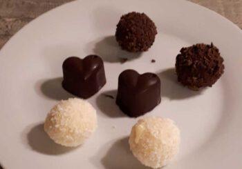 Kaffee und Schokolade: ein leckerer Abend